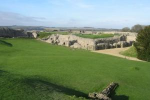 Non-invasive survey methods such as ground penetrating radar have helped archeologist to create a detailed map of Old Sarum without any digging [Credit: Scriniary]