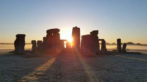 Stonehenge inner circle sunrise tour